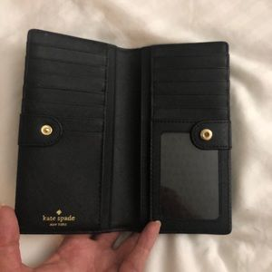 Kate Spade wallet (saffiano leather)
